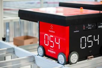 Redline lager-robot fra AutoStore i lagerhus.