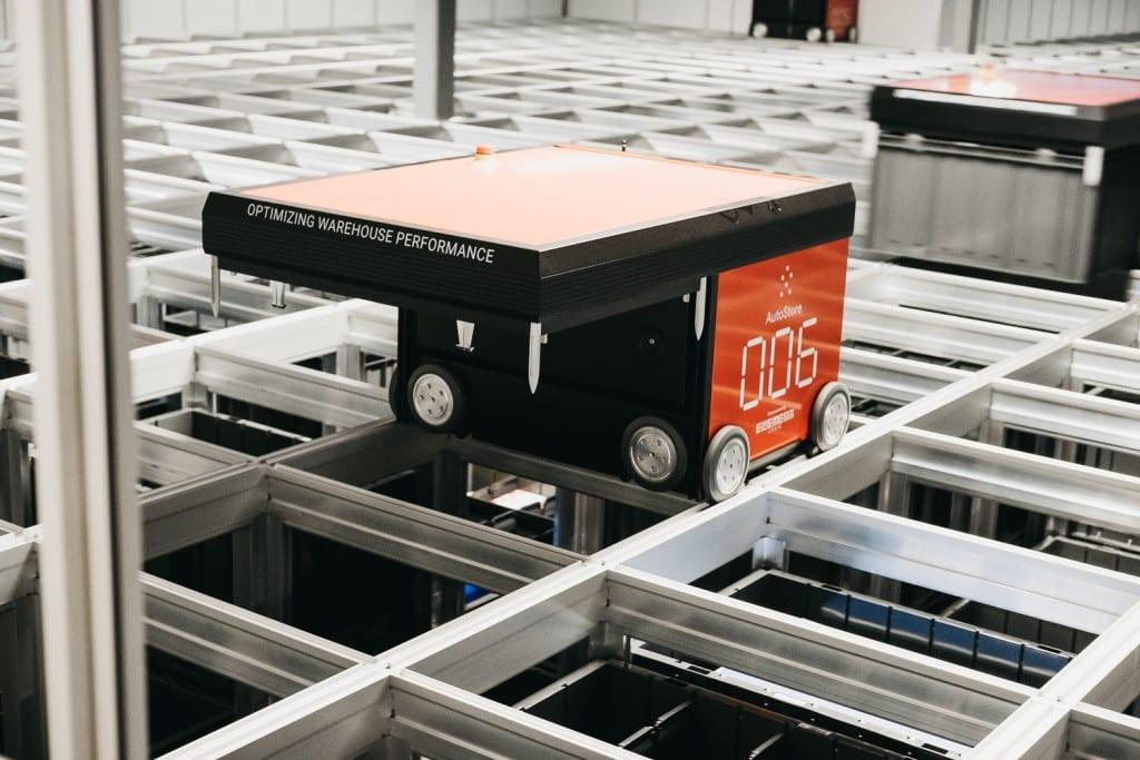 AutoStore-robot på lageret til GS Bildeler i Oslo.